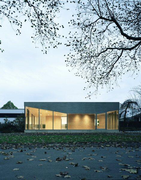 Pavillon Düren: Außenansicht mit Beleuchtung